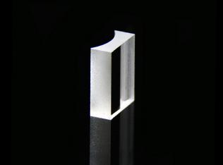 平凹柱面透镜